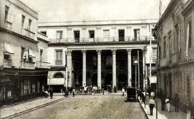 Gran Teatro Nacional - Aquí se entonó el Himno Nacional Mexicano por primera vez.